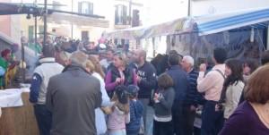 Folla nelle strade di Sant'Angelo