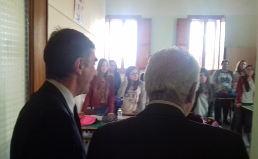 """Gambacorta e Gargani in una classe nello storico """"De Sanctis"""" di Lacedonia"""